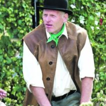 bert-tucker-busheller-in-the-bromyard-hop-play_480_landscape
